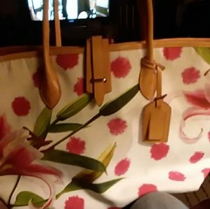 D&B Addison Lilly tote